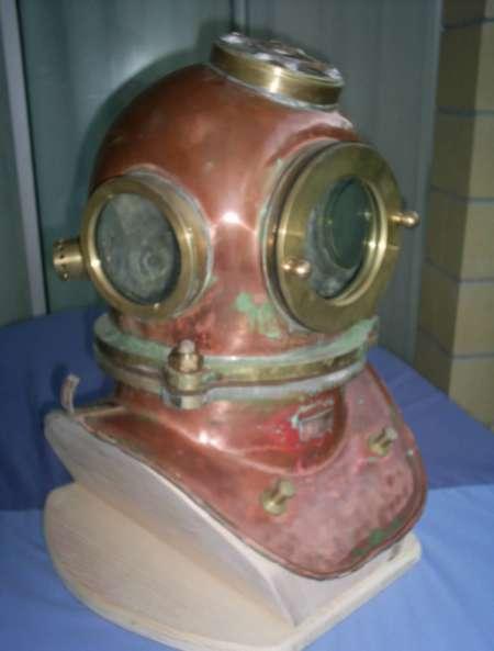 Antiquité de marine, scaphandrier, plongée vintage