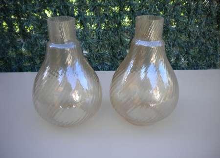 2 HAUTS DE LAMPE A PETROLE